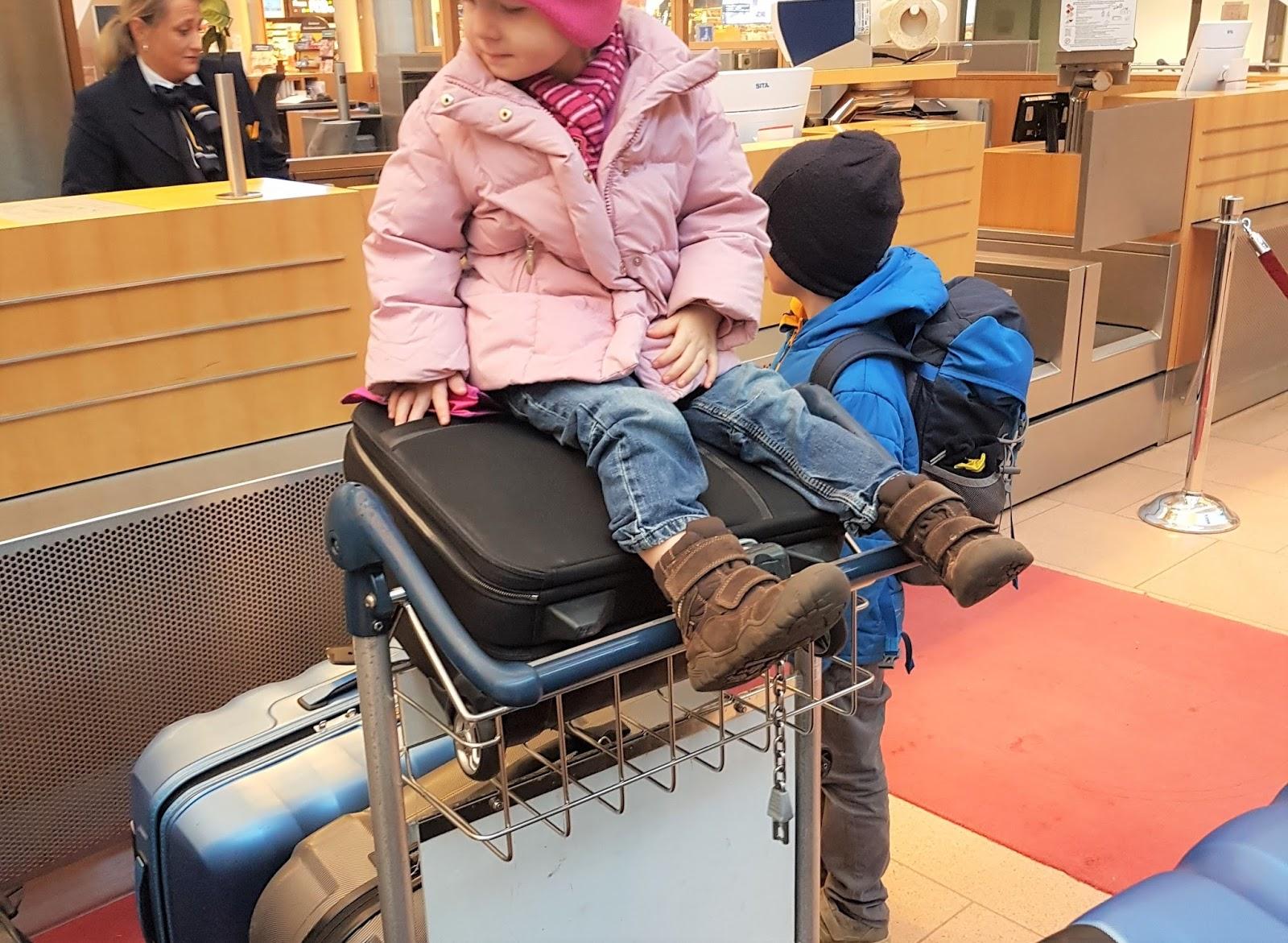 Flughafen-mit-Kindern