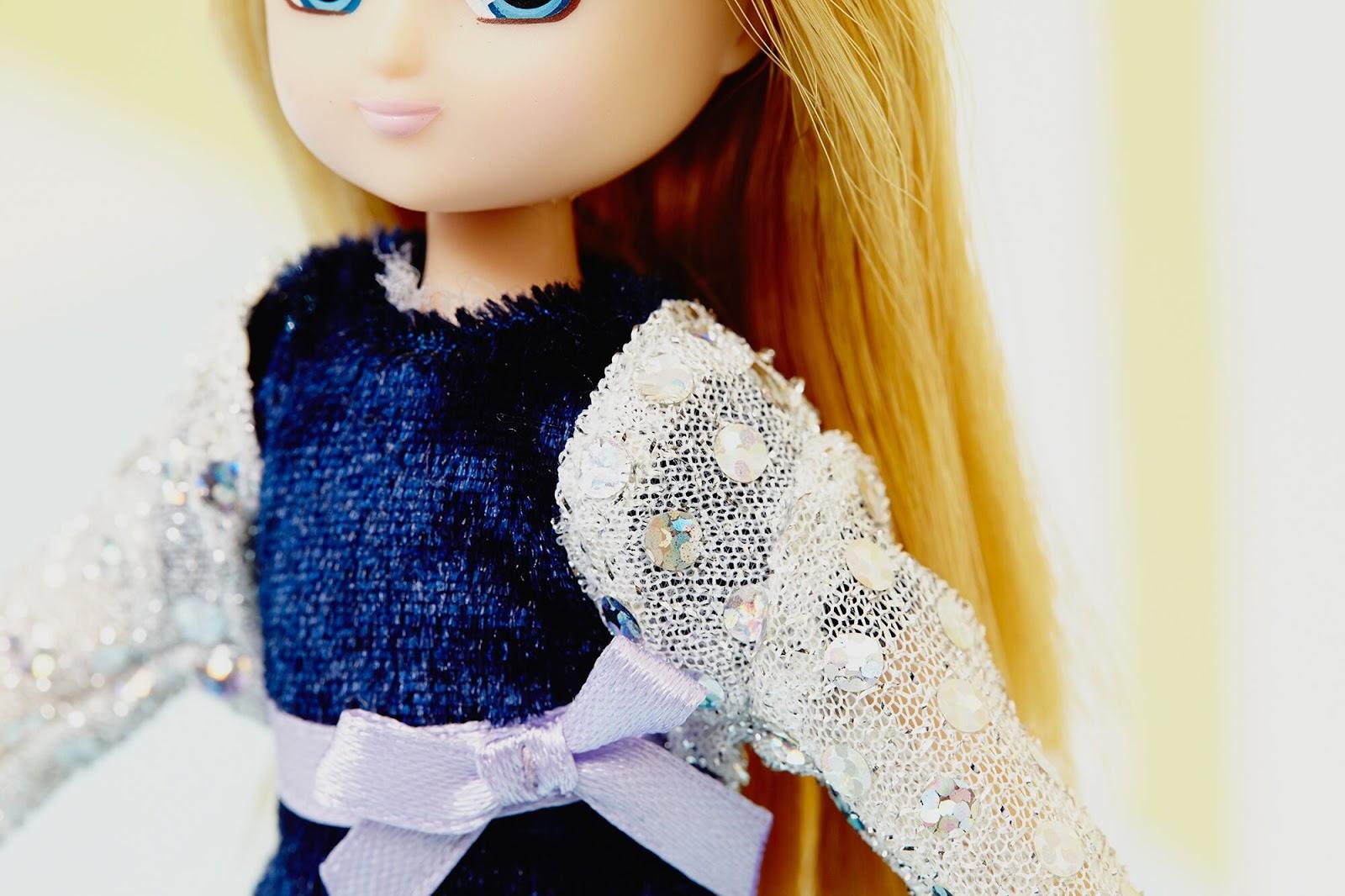 Blue Velvet Outfit
