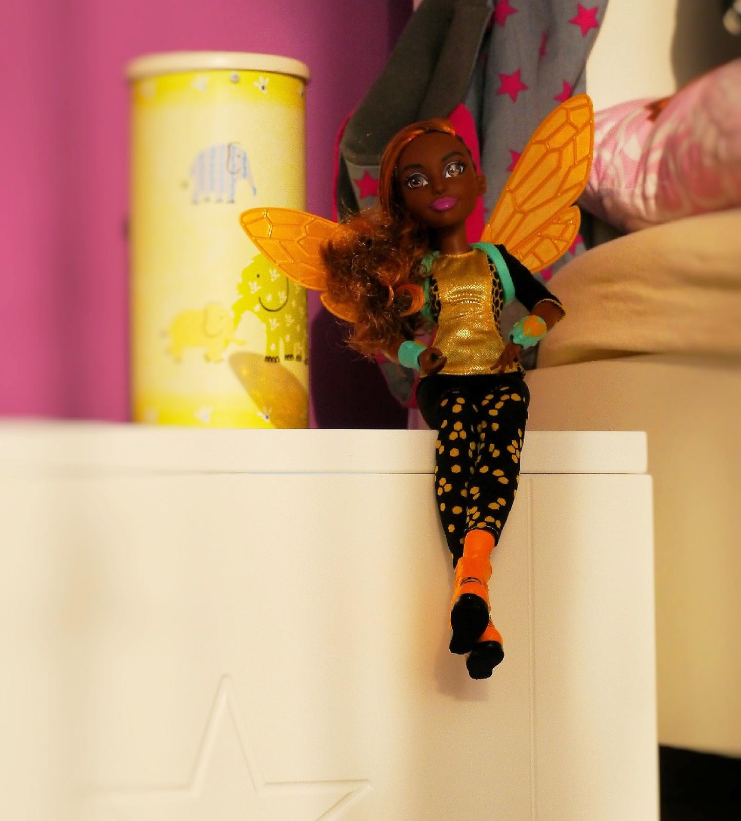 Superheldin Bumblebee
