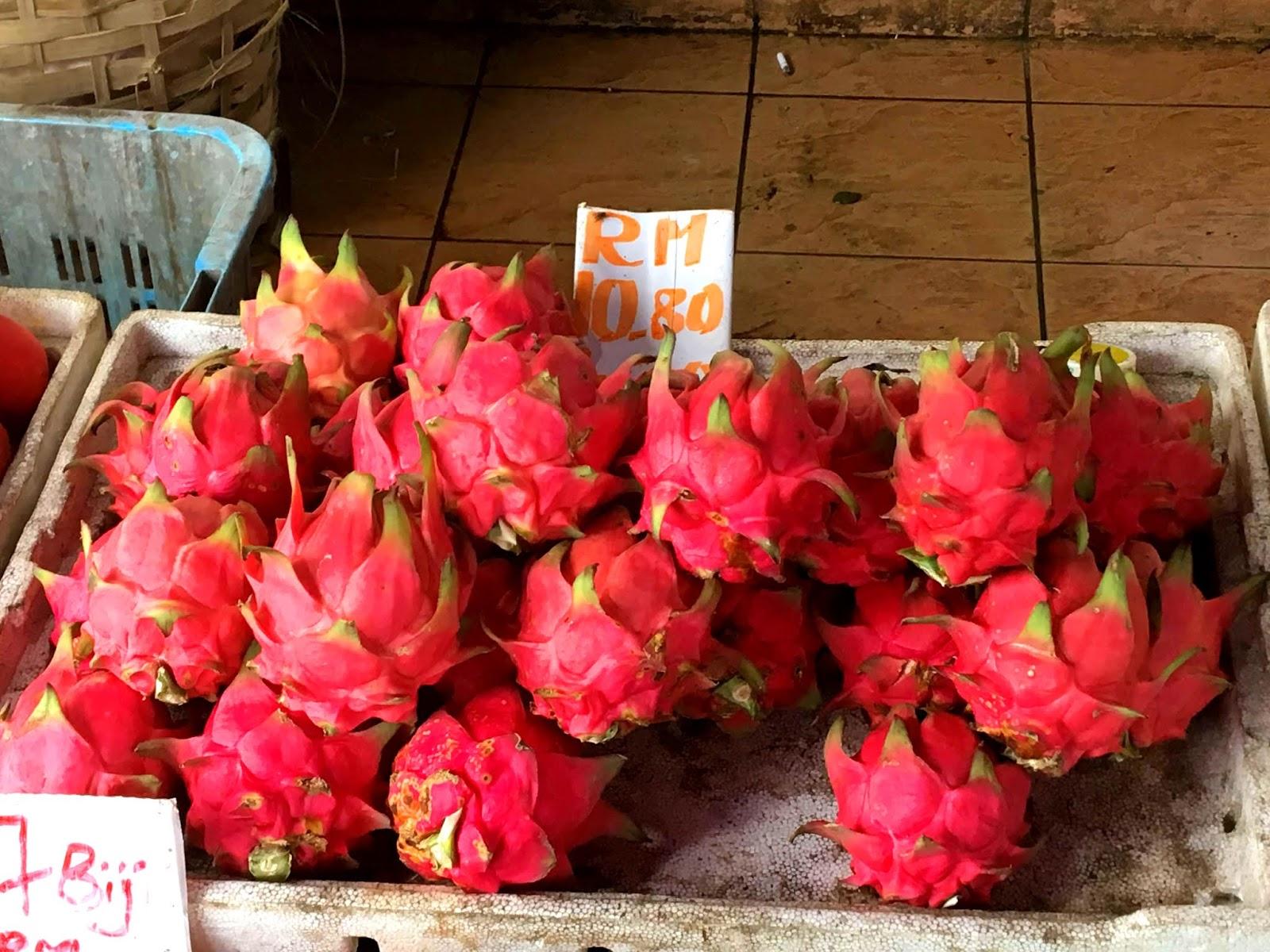 Draschenfrucht auf dem Markt in Kuching