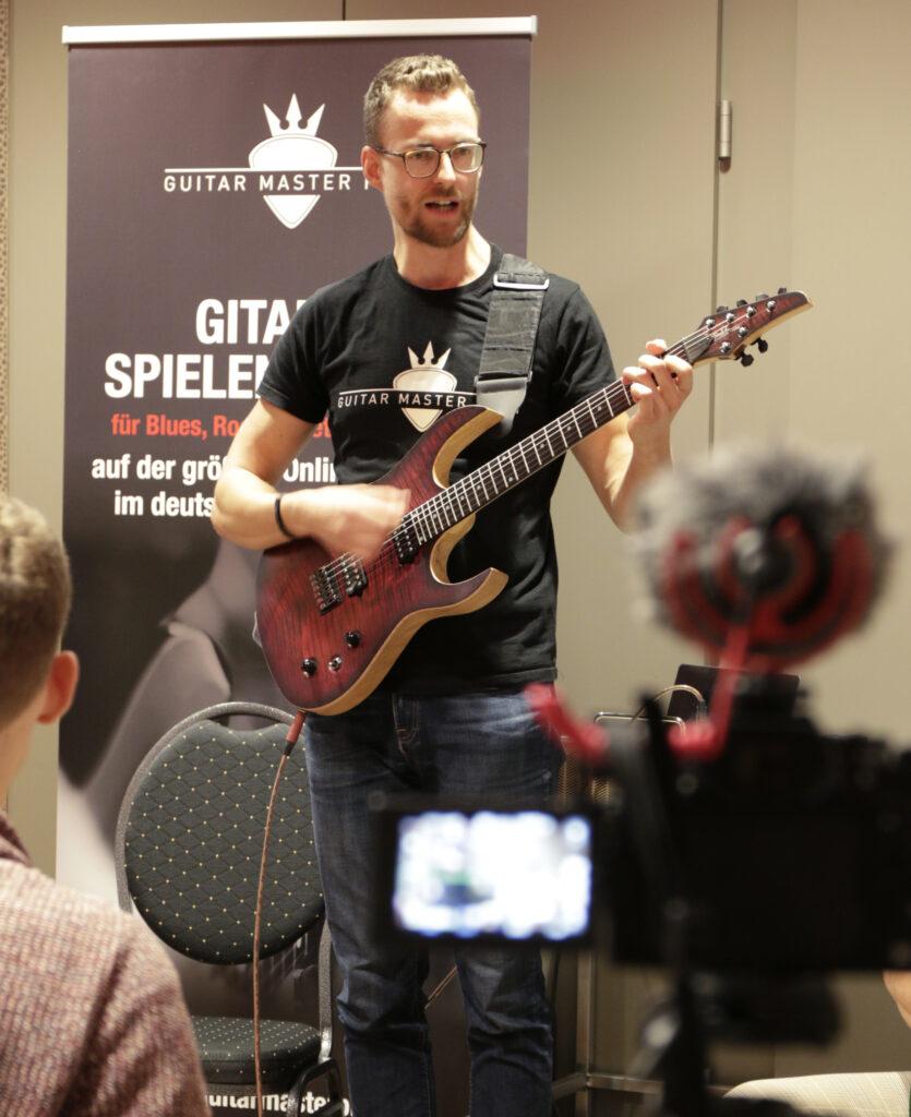 Gitarre online lernen mit Guitar Master Plan , ideal für Kinder
