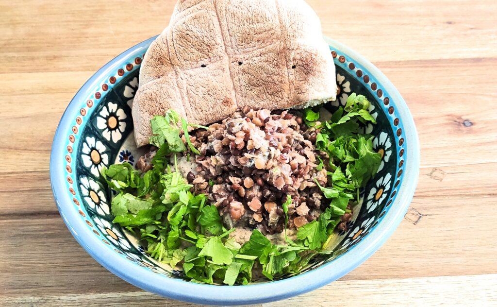 Linsen-Hummus mit Petersilie